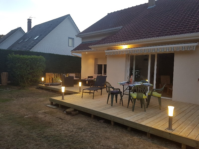 Eclairage extérieur de jardins et terrasses Tournai - paysagiste Orcq